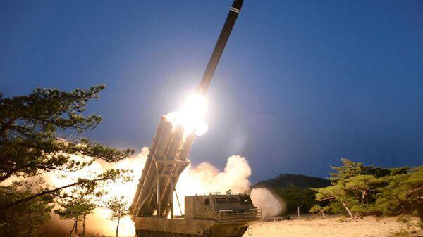 A test of the Korean People's Army's KN-25 short-range ballistic missile, with a range of 380 kilometers - Sputnik International