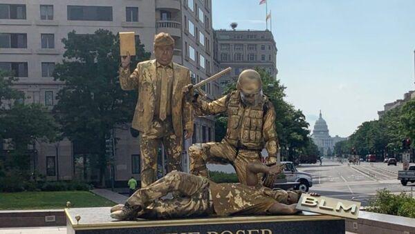 "Earlier Today, ""The Poser"" at Freedom Plaza. (7/17/2020) - Sputnik International"