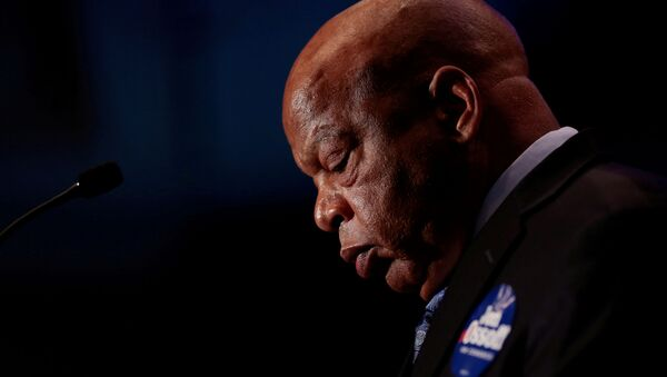 Congressman John Lewis addresses supporters of Democrat Jon Ossoff as they wait for the poll numbers to come in for Georgia's 6th Congressional District special election in Atlanta, Georgia, U.S., June 20, 2017 - Sputnik International