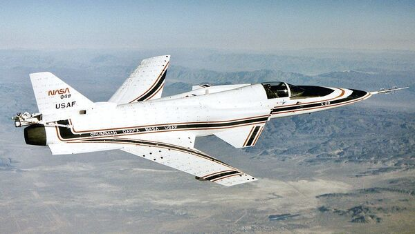 The No. 2 X-29 technology demonstrator aircraft is seen here during a 1990 test flight. At this angle, the aircraft's unique forward-swept wing design is clearly visible. - Sputnik International