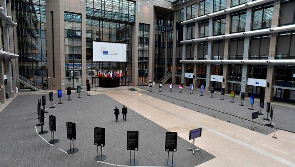 General view of the empty media area in the atrium of the EU Council building on the fourth day of an EU summit in Brussels, Belgium 20 July 2020.  - Sputnik International