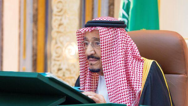 Saudi King Salman bin Abdulaziz attends a cabinet meeting via video call from Kind Faisal Hospital, in Riyadh, Saudi Arabia July 21, 2020. Picture taken July 21, 2020.  - Sputnik International