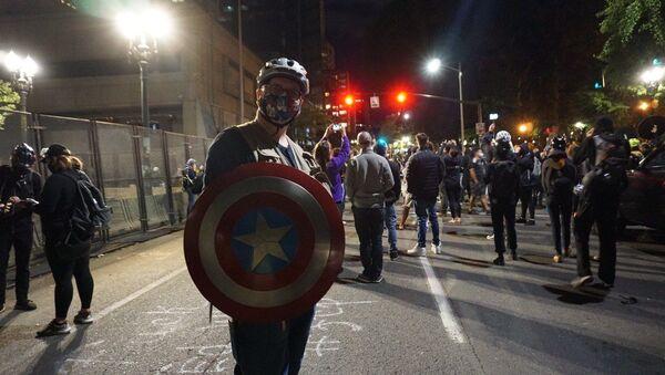 Protesters in Portland - Sputnik International