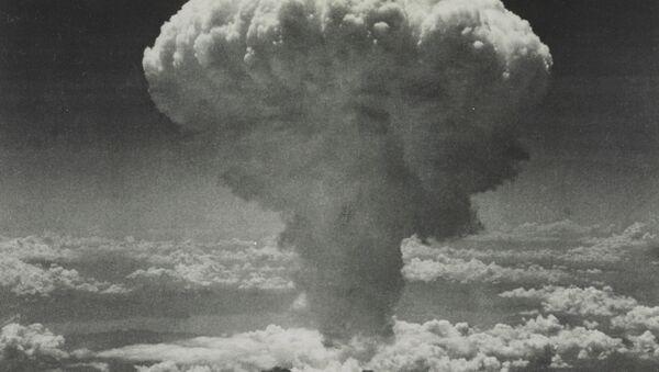 Mushroom cloud over Nagasaki after US dropped atomic bomb codenamed Fat Man on 9 August  - Sputnik International