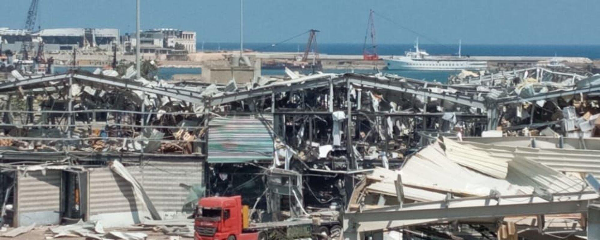 Aftermath of a massive explosion is seen in Beirut, Lebanon - Sputnik International, 1920, 05.08.2020