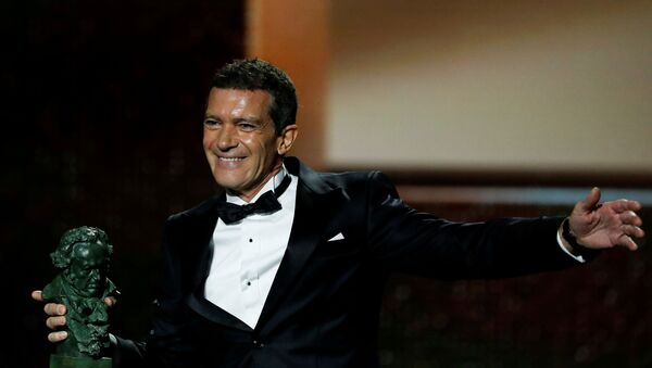 Actor Antonio Banderas reacts upon receiving the award for Best Actor for the film Dolor y gloria (Pain and Glory) during the Spanish Film Academy's Goya Awards ceremony in Malaga, Spain, January 25, 2020 - Sputnik International