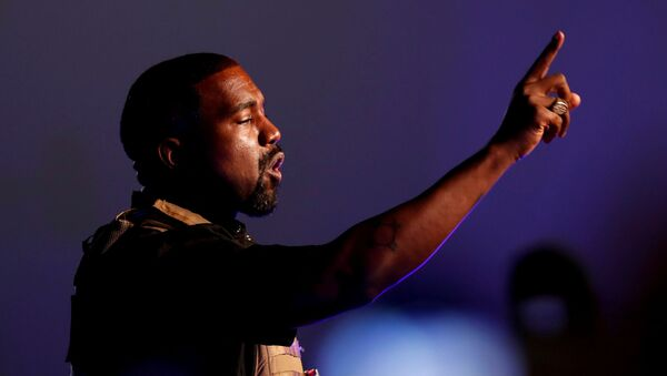 Rapper Kanye West makes a point as he holds his first rally in support of his presidential bid in North Charleston, South Carolina, U.S. July 19, 2020 - Sputnik International