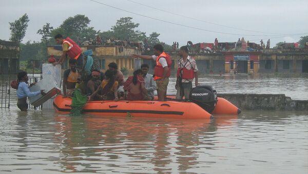 National Disaster Response Force (NDRF) Rescue Operation during Kosi Flood Bihar - Sputnik International