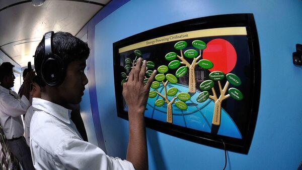 Digital India Mobile Science Exhibition Bus Interior with Visitors - Sputnik International