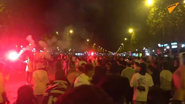 Situation at Champs-Élysées after Bayern Claimed Victory Over PSG in 2020/21 UEFA Champions League Final - Sputnik International
