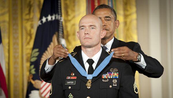 U.S. President Barack Obama awarding Medal of Honor to Ty Carter - Sputnik International