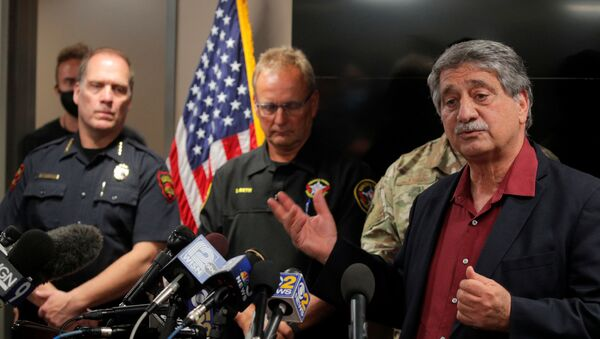 Kenosha Mayor John Antaramian speaks next to Police Chief Daniel Miskinis and County Sheriff David Beth during a news conference, regarding the protests and shootings that came after Jacob Blake was shot by police, in Kenosha, Wisconsin, U.S. August 26, 2020. - Sputnik International