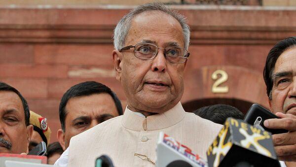 Pranab Mukherjee speaks to media in the run-up to the Indian presidential election in New Delhi, 26 June 2012 - Sputnik International