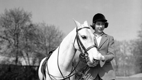 Princess Elizabeth after her ride in Windsor Great Park, in England, on April 21, 1939. - Sputnik International