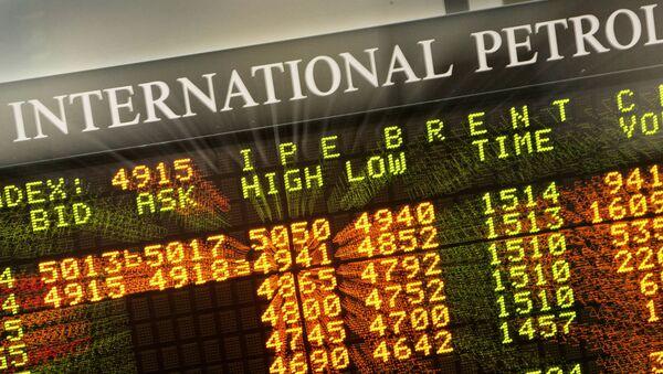 The board at the International Petroleum Exchange  - Sputnik International