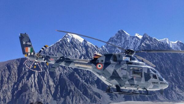 India's indigenously-developed Light Utility Helicopters successfully complete hot and high altitude trials in Himalayas and are ready for initial operational clearance - Sputnik International