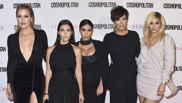 "Khloe Kardashian, from left, Kourtney Kardashian, Kim Kardashian, Kris Jenner and Kylie Jenner arrive at Cosmopolitan magazine's 50th birthday celebration on 12 October 2015, in West Hollywood, California. After more than a decade, ""Keeping Up With the Kardashians"" is ending its run. - Sputnik International"