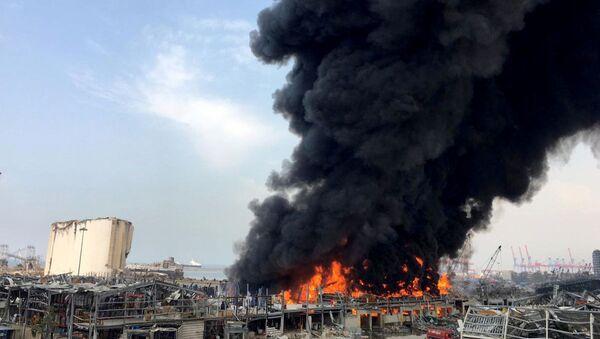 Smoke rises from Beirut's port area, Lebanon September 10, 2020.  - Sputnik International