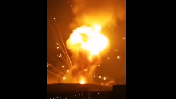 Screenshot from a video allegedly showing a massive explosion hitting the outskirts of Jordanian city of Zarqa - Sputnik International