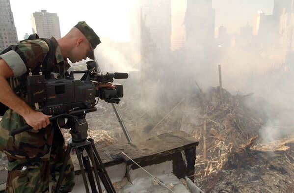 A US Navy videographer documents the crime scene where the World Trade Center collapsed following the 11 September terrorist attack - Sputnik International