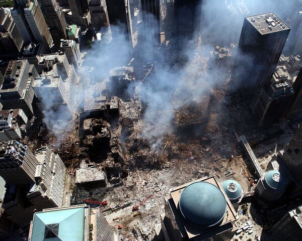 An aerial view shows a small portion of the crime scene where the World Trade Center collapsed following the 11 September terrorist attack - Sputnik International