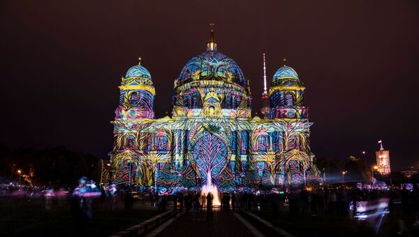 The Berlin Cathedral (Berliner Dom) is illuminated at the start of the Festival of Lights on October 11, 2019 - Sputnik International