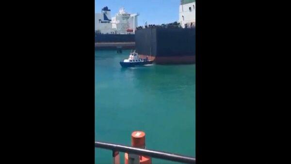 Iranian VLCC supertanker carrying 2 million barrels of gas condensate suddenly pops up at the José Terminal, Venezuela - Sputnik International