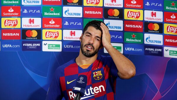 Round of 16 Second Leg - FC Barcelona v Napoli - Camp Nou, Barcelona, Spain - August 8, 2020  Barcelona's Luis Suarez speaks to the media after the match, as play resumes behind closed doors following the outbreak of the coronavirus disease (COVID-19 - Sputnik International
