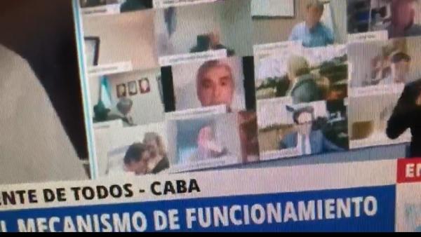 A screenshot from a video of Argentinian lawmaker Juan Ameri kissing his girlfriend's breast during an online Congress session on 25.09.2020. - Sputnik International