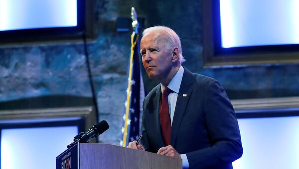 U.S. Democratic presidential candidate and former Vice President Joe Biden speaks to reporters after delivering a speech on the U.S. Supreme Court at the Queen Theater in Wilmington, Delaware, U.S., September 27, 2020 - Sputnik International