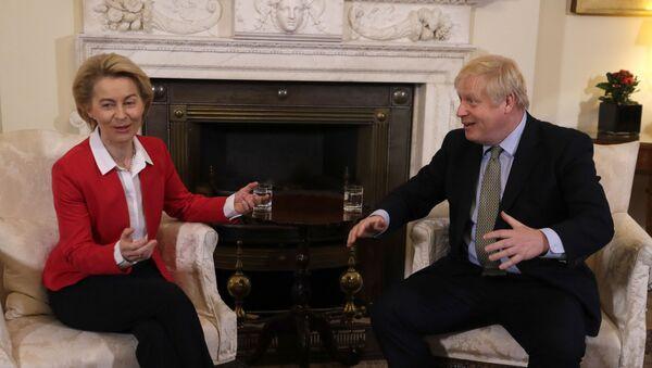 Britain's Prime Minister Boris Johnson talks to European Commission President Ursula von der Leyen inside Downing Street in London, 8 January 2020 - Sputnik International