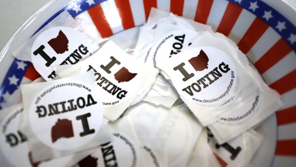 This is a bowl of stickers for those taking advantage of early voting, 15 March 2020, in Steubenville, Ohio - Sputnik International