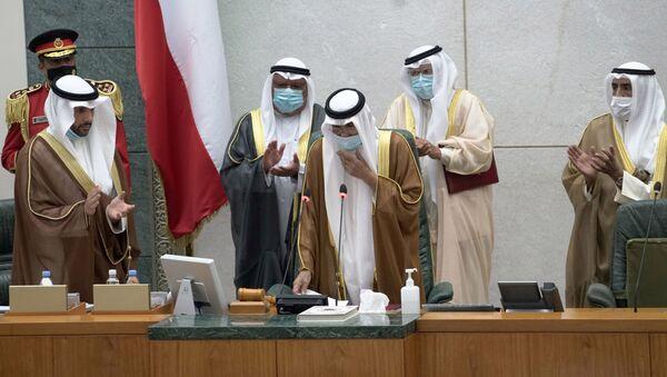 Kuwait's new Emir Nawaf al-Ahmad al-Sabah takes the oath of office at the parliament, in Kuwait City, Kuwait September 30, 2020 - Sputnik International