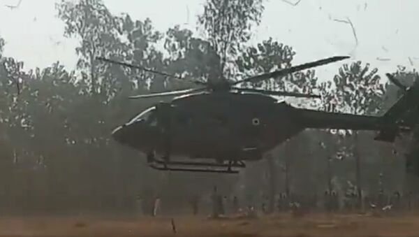 Indian Air Force helicopter in village Kallarpur of Saharanpur (U.P.) due to technical fault - Sputnik International