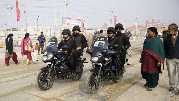 Uttar Pradesh police Anti-Terrorism Squad patrol on motorbikes at the spiritual-cleansing Kumbh Festival in Allahabad, India, Monday, Jan.14, 2019 - Sputnik International