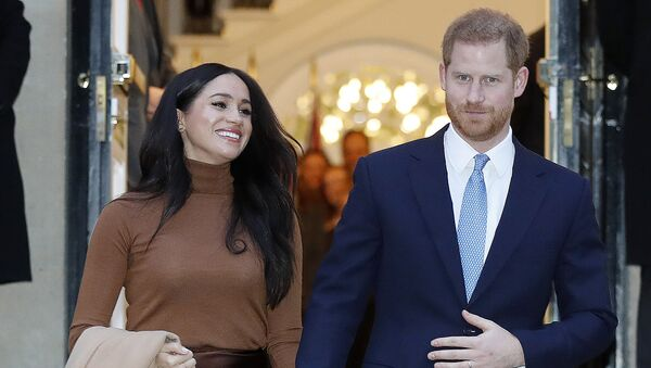 Britain's Prince Harry and Meghan, Duchess of Sussex leave after visiting Canada House in London, Tuesday Jan. 7, 2020, after their recent stay in Canada - Sputnik International