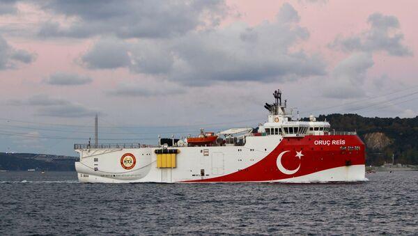 Turkish seismic research vessel Oruc Reis sails in the Bosphorus in Istanbul, Turkey, November 12, 2018. Picture taken November 12, 2018 - Sputnik International