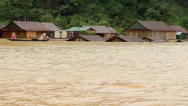 Houses flooded after heavy rains in Quảng Bình Province in Central Vietnam - Sputnik International