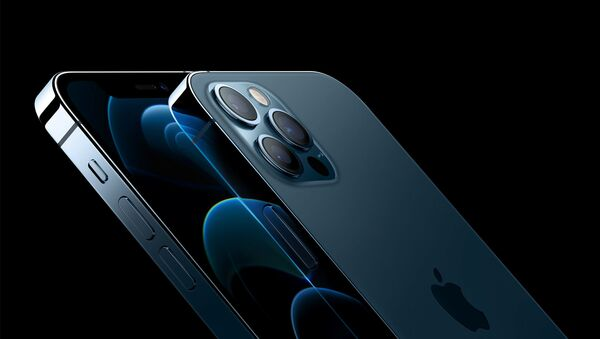 Apple's iPhone 12 Pro and iPhone 12 Pro Max are seen in an illustration released in Cupertino, California, U.S. October 13, 2020 - Sputnik International