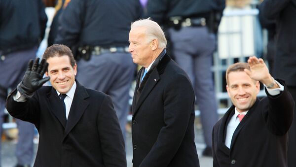 Vice-President Joe Biden and sons Hunter Biden (L) and Beau Biden walk in the Inaugural Parade January 20, 2009 in Washington, DC. Barack Obama was sworn in as the 44th President of the United States, becoming the first African-American to be elected President of the US - Sputnik International