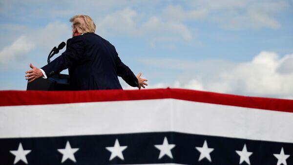 U.S. President Donald Trump speaks during a campaign rally at Pitt-Greenville Airport in Greenville, North Carolina, U.S., October 15, 2020. - Sputnik International