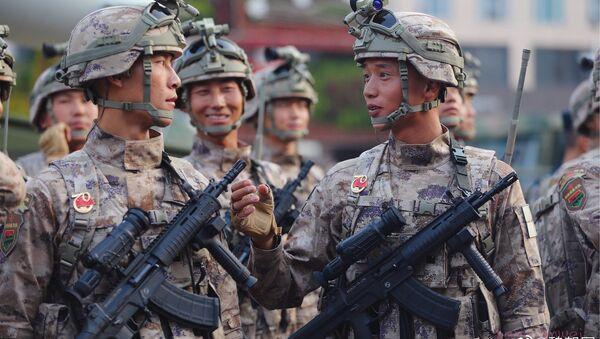 People's Liberation Army (PLA) has received new long-range assault rifles QBU-191 - Sputnik International