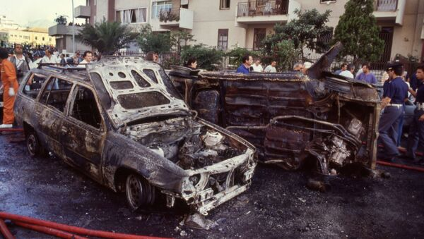 The aftermath of the bomb attack that killed judge Paolo Borsellino in 1992 - Sputnik International