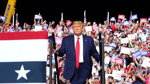 U.S. President Donald Trump holds a campaign rally in Gastonia, North Carolina, U.S., October 21, 2020 - Sputnik International