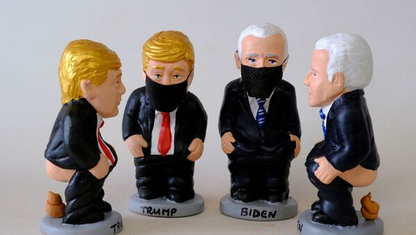 Caught With Pants Down? Pooping Trump, Biden Figurines Made in Catalonia - Sputnik International
