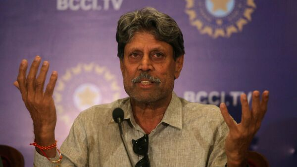 Kapil Dev, former Indian cricket captain and a member of the country's cricket board BCCI's Cricket Advisory Committee, speaks during a news conference to announce its team's coach, in Mumbai, India, August 16, 2019 - Sputnik International