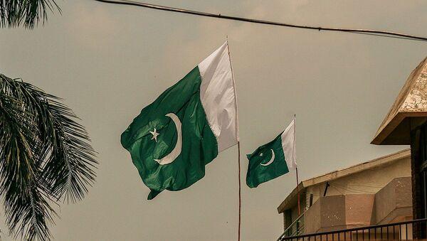 Pakistan Flag in air - Sputnik International
