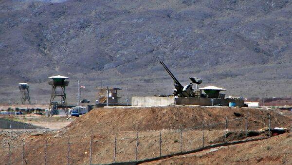 Anti-aircraft guns guarding Natanz Nuclear Facility, Iran - Sputnik International