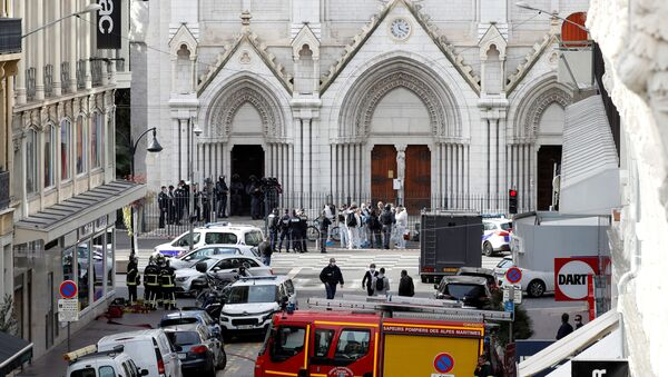 Security forces guard the area after a reported knife attack at Notre Dame basilica in Nice, France 29 October 2020.  - Sputnik International