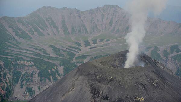 Karymsky volcano in Kamchatka - Sputnik International